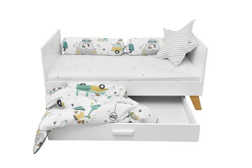 Hoppa_junior_bed_60x120_with_drawer_lifestyle_02.JPG