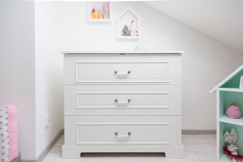 Ines_white_chest_of_drawers_04.jpg